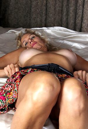 malaika arora open pussi nude