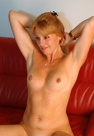 British Mature Big Tits Solo