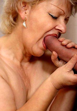 Grannie likes big cocks Granny Loves Big Cock Pichunter