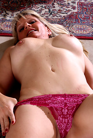 Busty blonde mature women nude Amateur Busty Blonde Mature Exposed P1