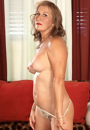Swallow Pictures Women In Years Hot Mature And Older Women Porn