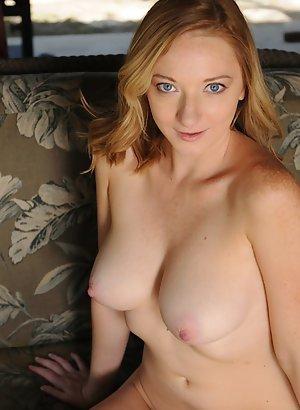 Studentinnen nackt blonde A Great