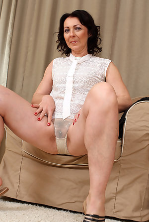 Hairy Pictures Mature Porn Galleries At Spicy Older Women