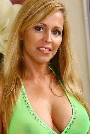 Busty blonde mature women nude Blonde Pictures Mature Porn Galleries At Spicy Older Women